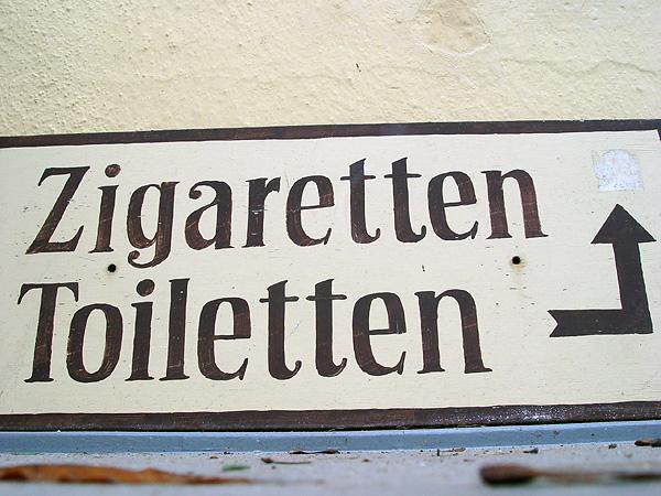Ob man mit der Hilfe njuchatelnogo des Tabaks Rauchen aufgeben kann